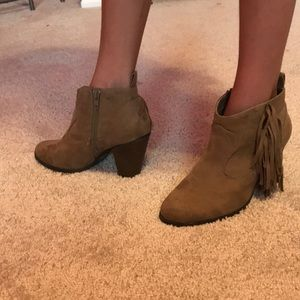 Ankle boots, 6.5